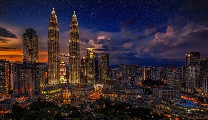 Tricks And Tips To Be A Successful Tour Guide In Malaysia